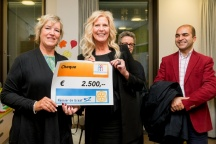 Hanneke van Zoelen, Rotary,  en Evelien van der Kruit, Stichting vrienden